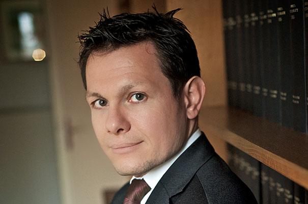 Dr. Rupert Manhart